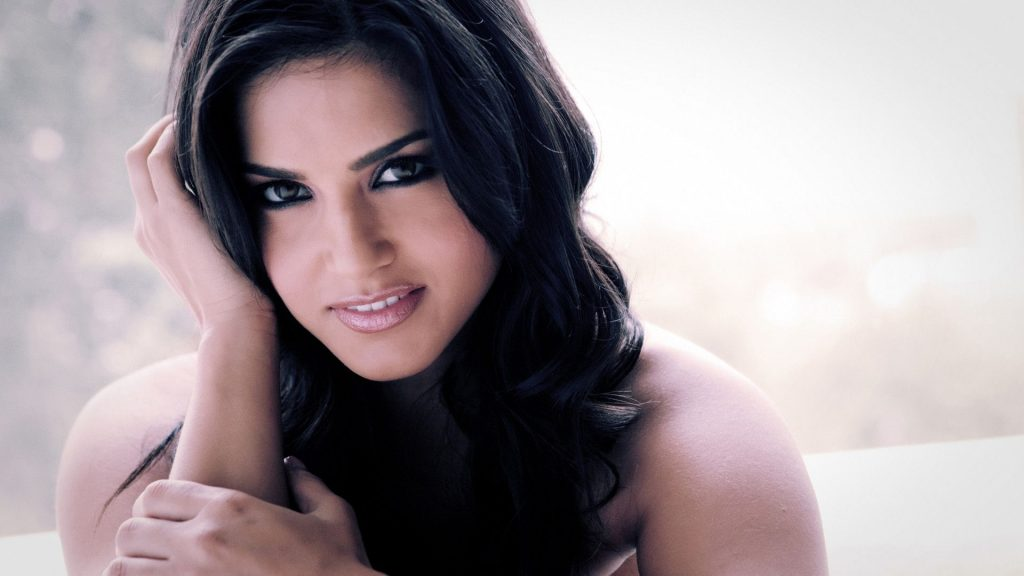 Reason revealed behind refusing selfies at the airport; Sunny Leone, Photos, Videos, Full Movie Watch Online Free Down Load Leaked By Tamilrockers, Down Load Torrent Telegram File Link