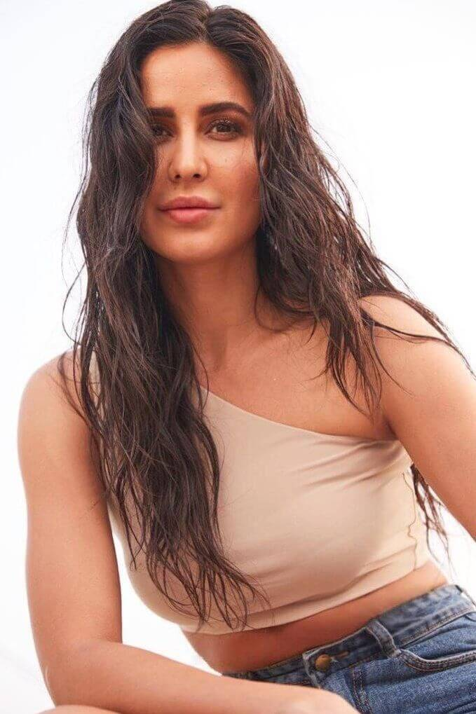 Katrina Kaif Hot Photos Latest 2020 | Biography | Age | Boyfriend | Family | Networth, Photos, Videos, Full Movie Watch Online Free Down Load Leaked By Tamilrockers, Down Load Torrent Telegram File Link