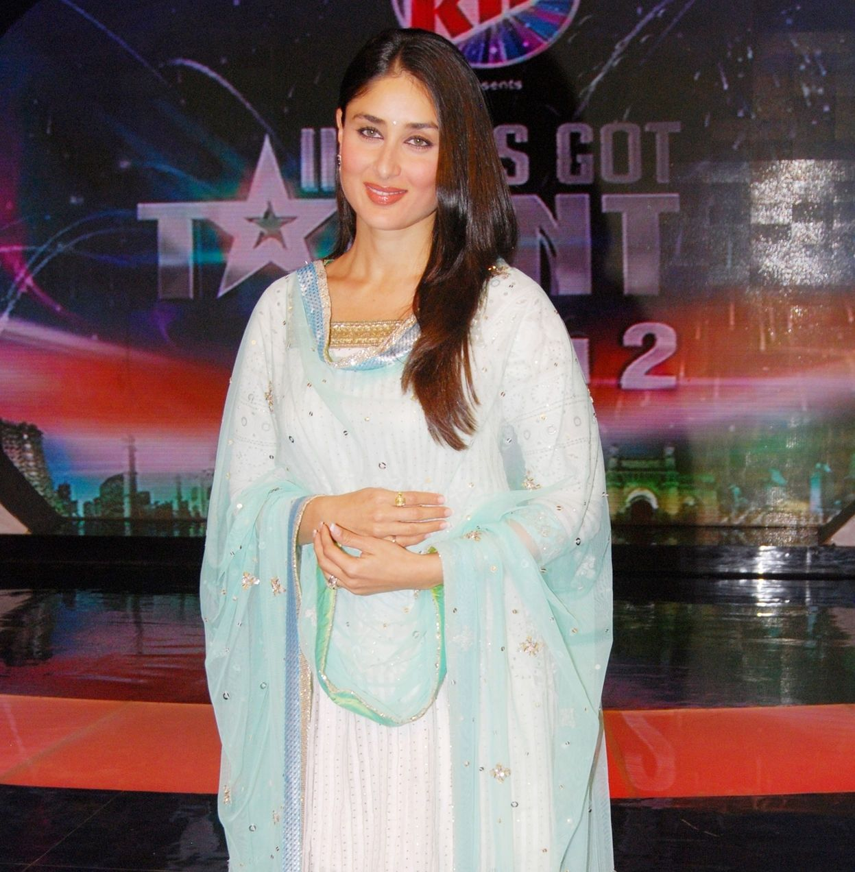 Kareena Kapoor Biography Age Family Latest Hot Photos 2020, Photos, Videos, Full Movie Watch Online Free Down Load Leaked By Tamilrockers, Down Load Torrent Telegram File Link