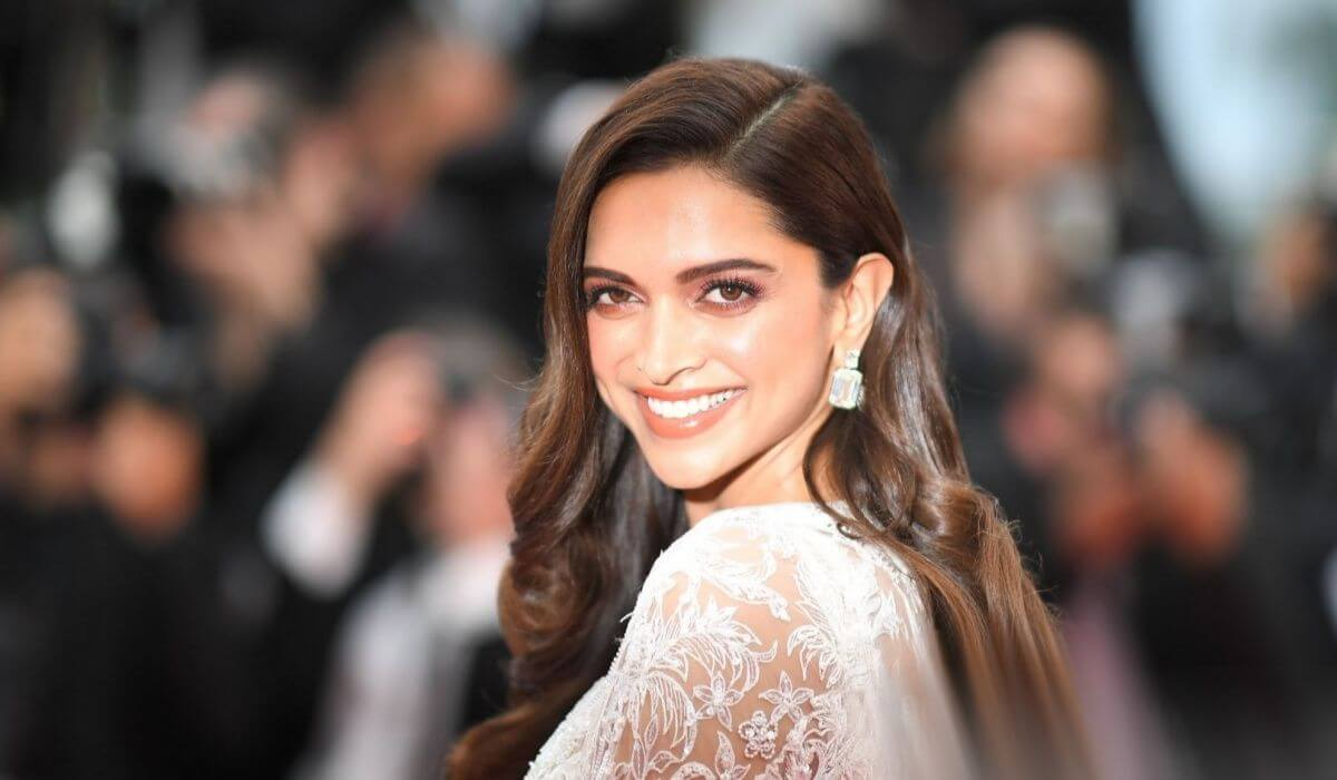 Deepika Padukone Biography Age Family Latest Hot Photos 2020, Photos, Videos, Full Movie Watch Online Free Down Load Leaked By Tamilrockers, Down Load Torrent Telegram File Link