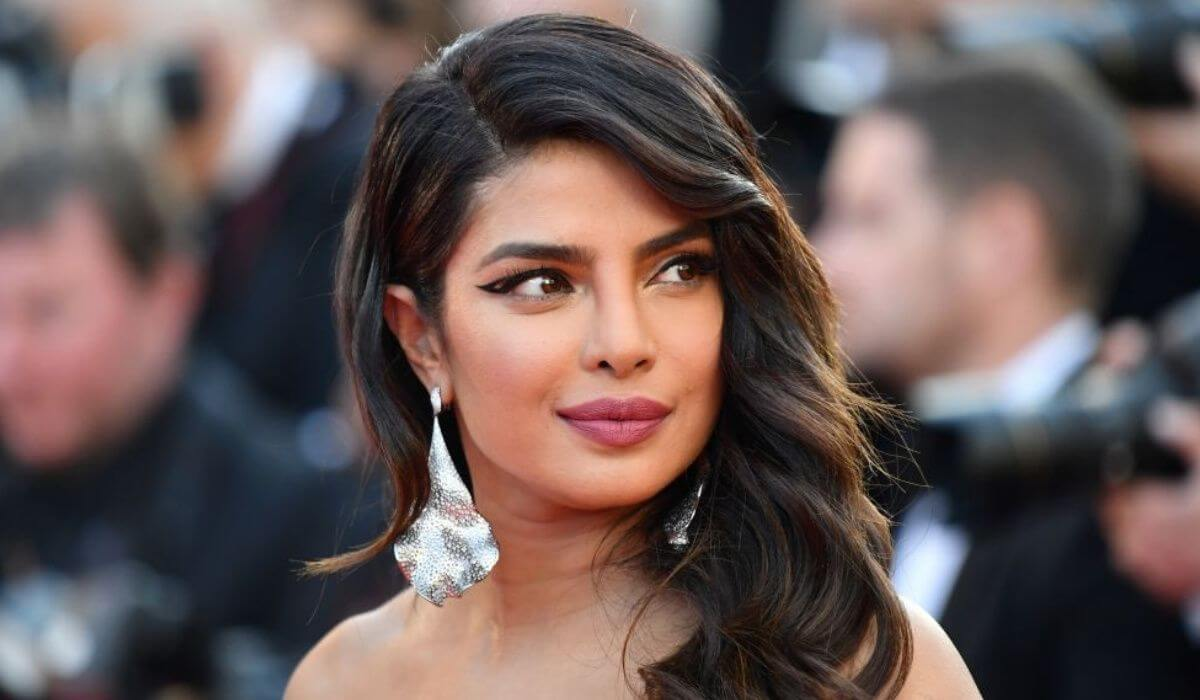 Priyanka Chopra Biography Age Family Latest Hot Photos 2020, Photos, Videos, Full Movie Watch Online Free Down Load Leaked By Tamilrockers, Down Load Torrent Telegram File Link