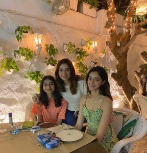 Ananya Pandey With Mother And Sister Rysa Pandey