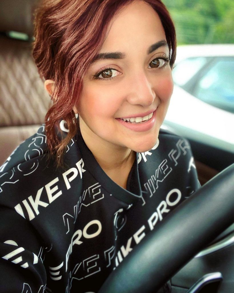 Monali Thakur Indian Bollywood Background Singer Age, Net Worth, Father, Instagra, Family, Wiki, Photos, Songs, Songs List, Wedding, Boyfriend, Figure Size, Height