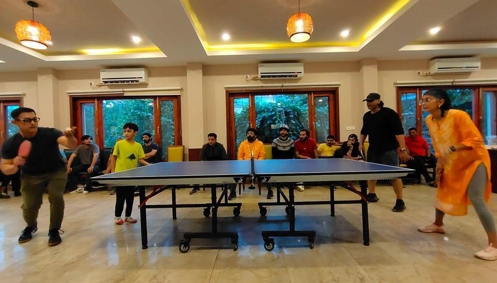Aamir Khan enjoys a Table Tennis tournament with the unit of Laal Singh Chaddha, see pictures!