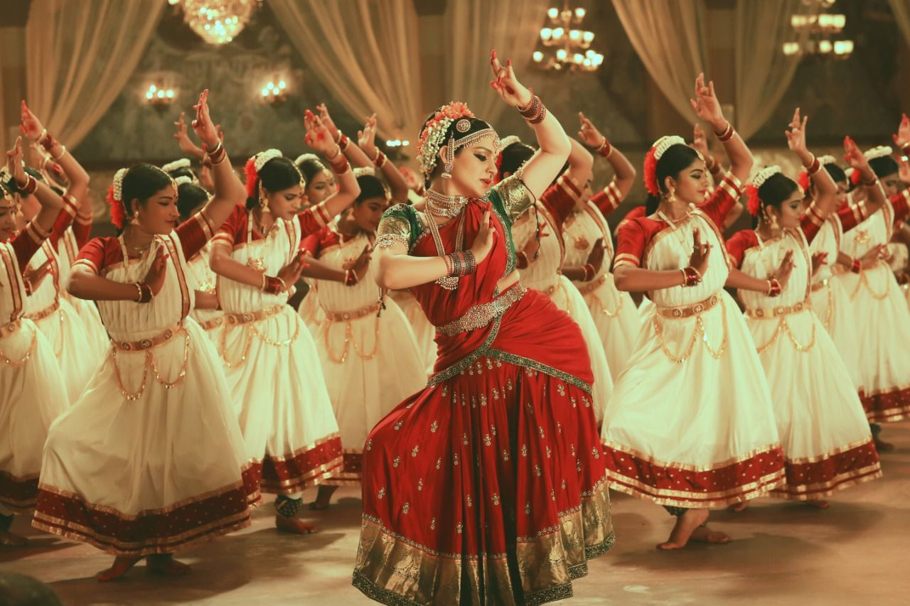 With 100 trained dancers, Thalaivii's 'Nain Bandhe Naino Se' showcases Kangana Ranaut's brilliant classical dancing skills, learnt over a month of rigorous training for the film, Photos, Videos, Full Movie Watch Online Free Down Load Leaked By Tamilrockers, Down Load Torrent Telegram File Link